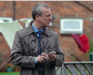 Stephen Tompkinson WILD AT HEART - DCI BANKS 10x8 Genuine Signed Autograph 11269